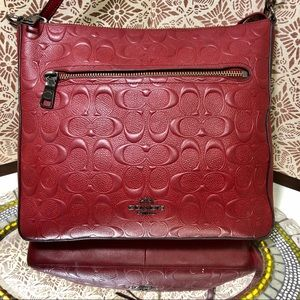 Women Coach NWOT crossbody embossed leather